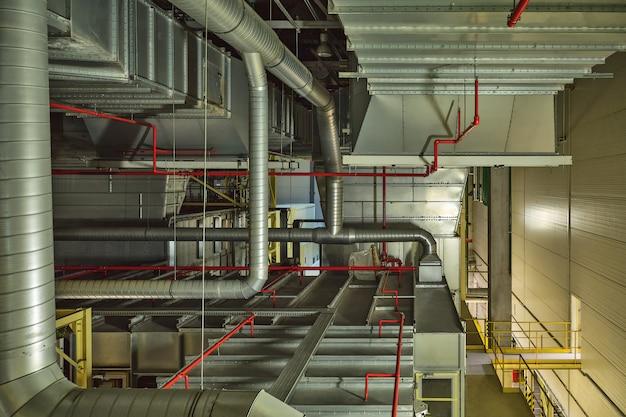 Industrielles luftkühlsystem und lüftungsrohre Premium Fotos