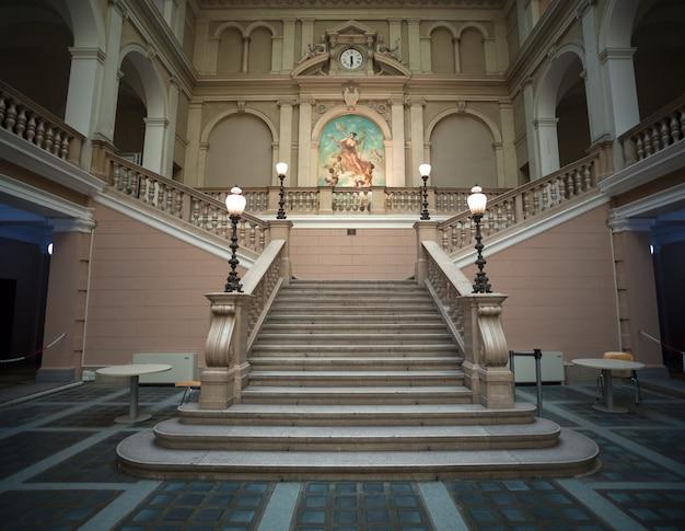 Innenraum des post- und telegrafiemuseums von mitteleuropa, triest Premium Fotos
