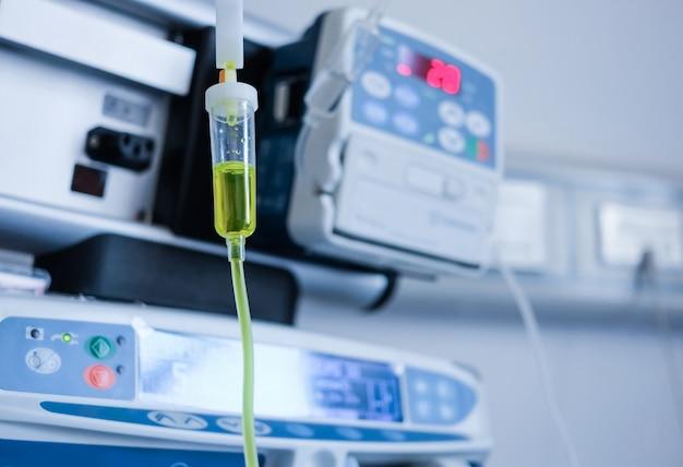 Intravenöse injektion im krankenhaus Kostenlose Fotos
