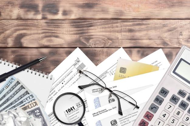Irs-formular 1041 einkommensteuererklärung für nachlässe und trusts Premium Fotos