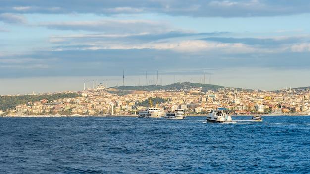 Istanbul-stadtskyline in istanbul-stadt, die türkei Premium Fotos