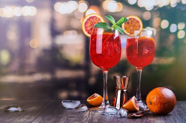 Italienischer aperol spritz cocktail Premium Fotos