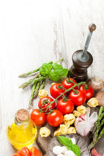 Italienisches essen hintergrund Premium Fotos