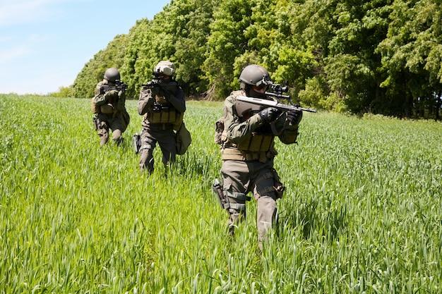 Jagdkommando soldaten sondereinheiten Premium Fotos