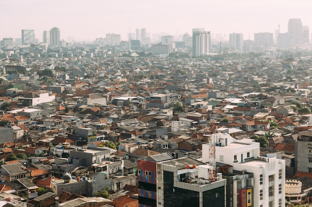 Jakarta stadtbild mit hohem aufstieg Premium Fotos