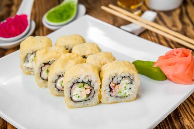 Japanische küche mit frischen meeresfrüchten Premium Fotos