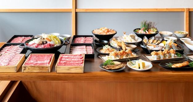 Japanische sukiyaki und essen Premium Fotos