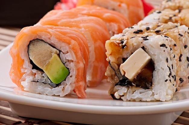 Japanisches essen - sushi und sashimi Kostenlose Fotos
