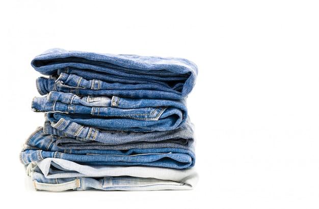 Jeans falten auf weiß Premium Fotos