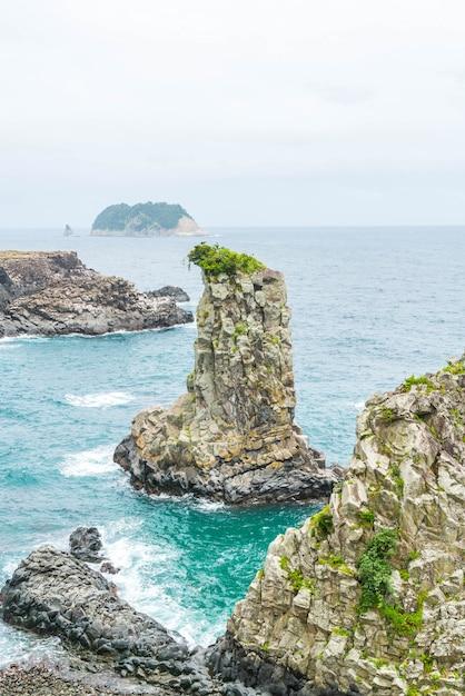 Jeju-do oedolgae rock (berühmtes naturdenkmal) in jeju island, Premium Fotos