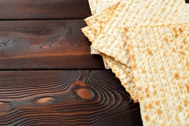 Jüdisches traditionelles passahfest-matzobrot Premium Fotos