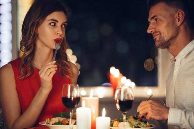Wie flirten männer mit frauen