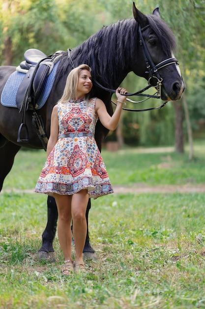 Und frau pferd Dicke Frau