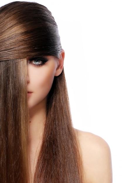 Junge frau mit schönen haaren Kostenlose Fotos