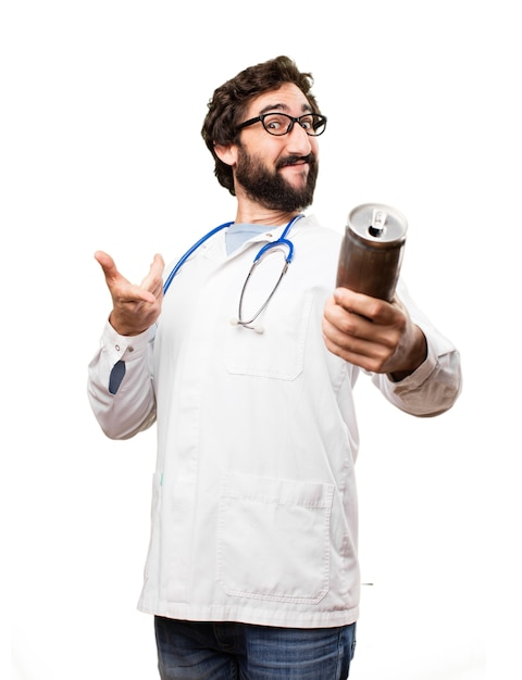 Junger doktor mann mit einem bier Kostenlose Fotos