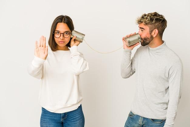 Junges paar, kommunikationskonzept Premium Fotos