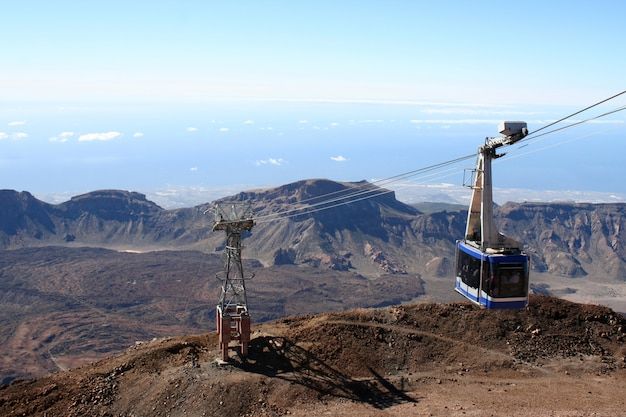 Kabelbahn auf dem vulkan teide in teneriffa-insel Premium Fotos