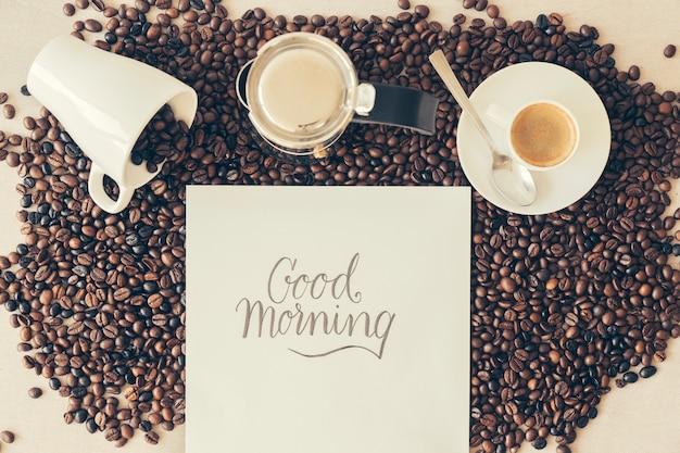 Kaffee-konzept mit guten morgen nachricht Kostenlose Fotos
