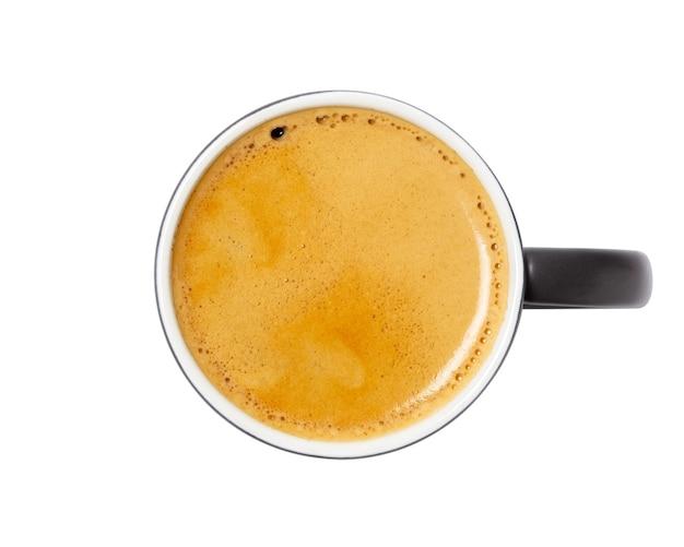 Kaffeetasse, draufsicht von kaffee schwarz in schwarzer keramikschale lokalisiert auf weißem hintergrund. mit beschneidungspfad. Premium Fotos