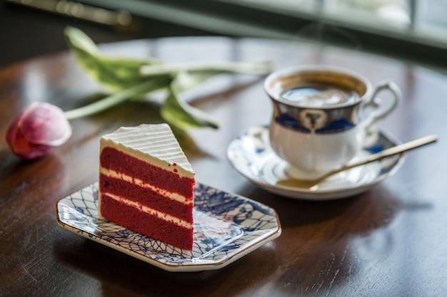 Kaffeetasse ein kuchen in thailand Premium Fotos