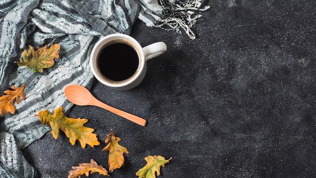 Kaffeetasse und schal kopieren raum Kostenlose Fotos