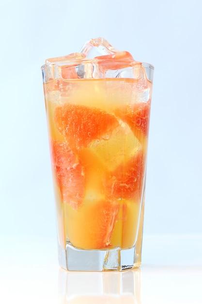 Kalter grapefruitsaft Kostenlose Fotos