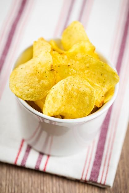 Kartoffelchips Premium Fotos