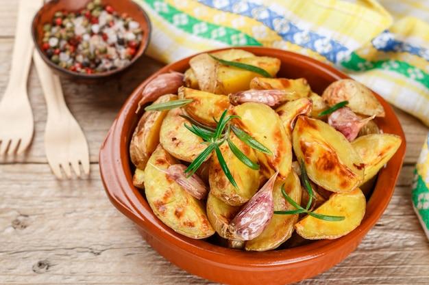 Kartoffelspalten Premium Fotos