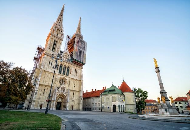 Kathedrale von zagreb im stadtzentrum von zagreb, kroatien Premium Fotos
