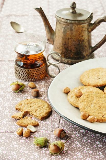 Kekse mit haselnüssen Premium Fotos