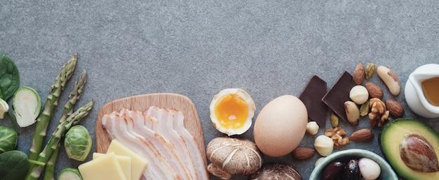 Keto, ketogene ernährung, kohlenhydratarme, gesunde ernährung Premium Fotos