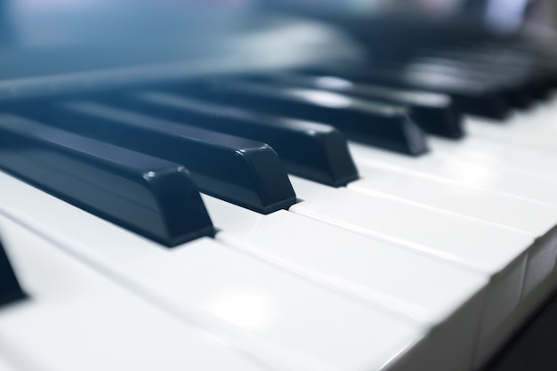 Keyboard synthesizer Premium Fotos