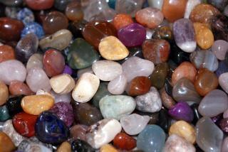 Kieselsteine in h lle und f lle download der kostenlosen for Farbige kieselsteine