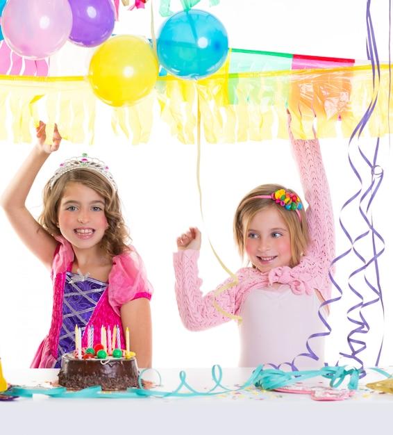 Kinder alles gute zum geburtstag party mädchen mit luftballons Premium Fotos