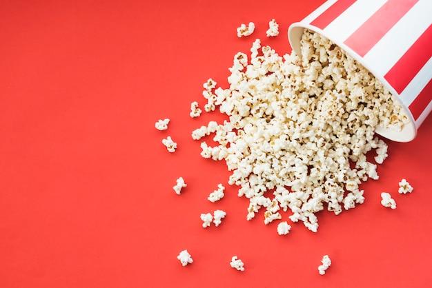 Kinokonzept mit popcorn Kostenlose Fotos