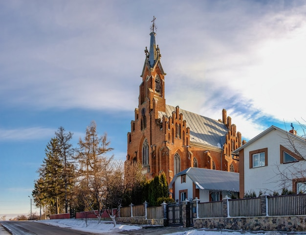 Kirche st. anne im dorf ozeryany Premium Fotos