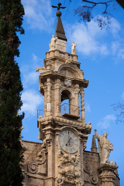 Kirchenfassade spanien valencia santos juanes Premium Fotos