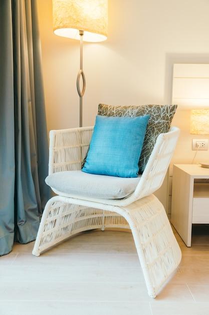 Kissen auf dem sofa Kostenlose Fotos