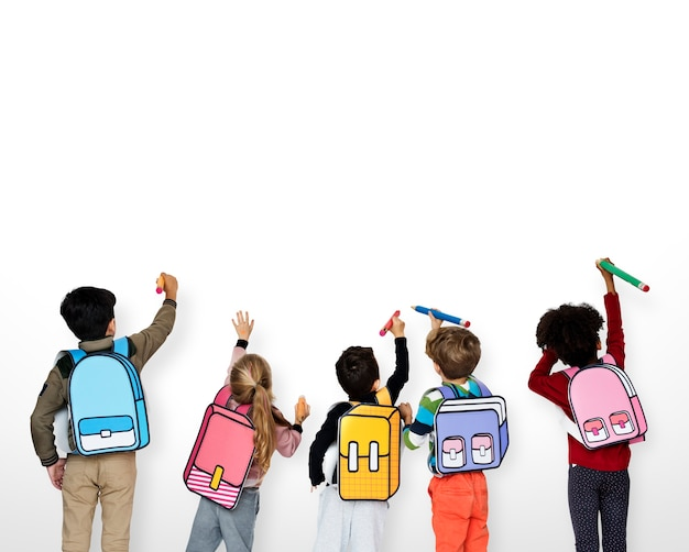 Klassenkameraden freunde tasche schule bildung Premium Fotos