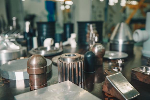 Kleine ausrüstungen und details für fabrikmaschinen Kostenlose Fotos