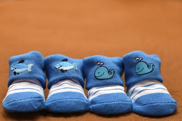 Kleine babysocken Premium Fotos