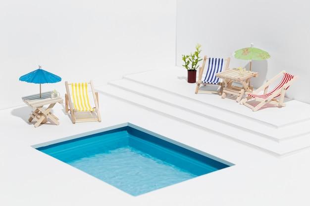 Kleine pool stillleben zusammensetzung Kostenlose Fotos