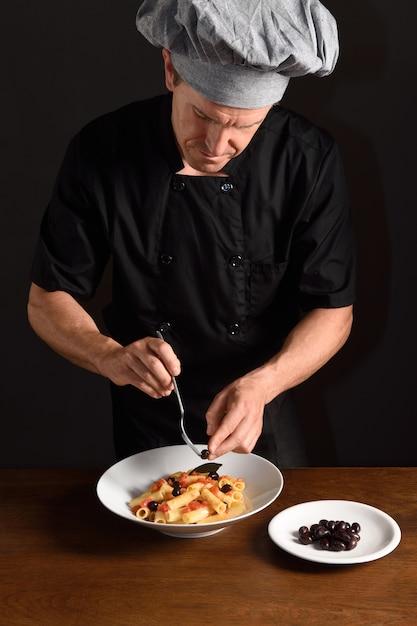 Kochen sie die zubereitung von speisen Premium Fotos