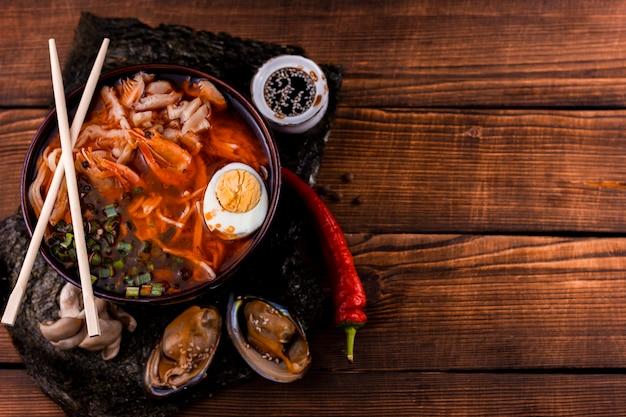 Köstliche japanische ramen mit kopienraum Kostenlose Fotos