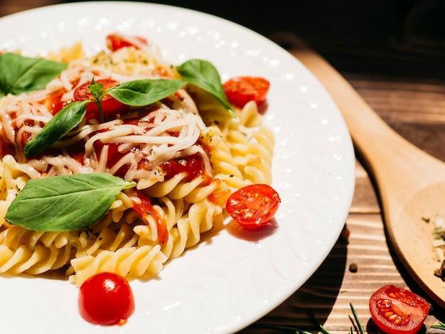 Köstliche platte der italienischen teigwaren Kostenlose Fotos