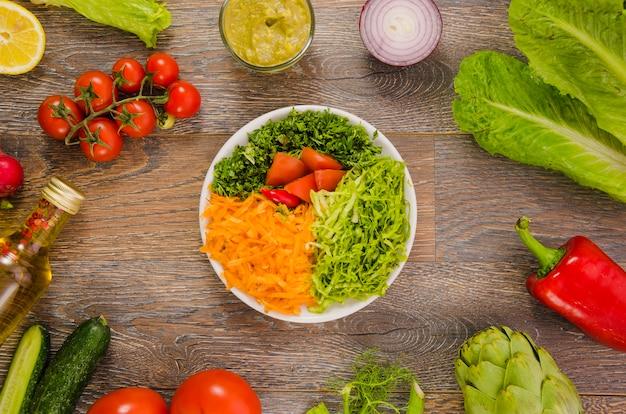 Köstlicher und gesunder kopfsalatsalat Kostenlose Fotos
