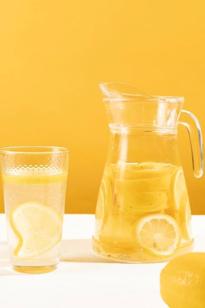 Köstliches glas der nahaufnahme limonade Kostenlose Fotos