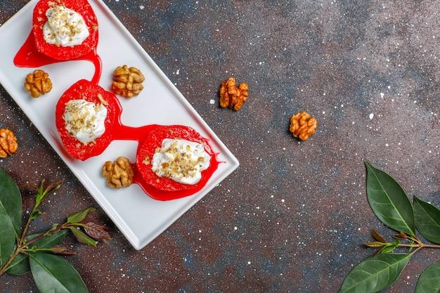 Köstliches und gesundes quitten-dessert, traditionelle türkische süßigkeiten, draufsicht Kostenlose Fotos