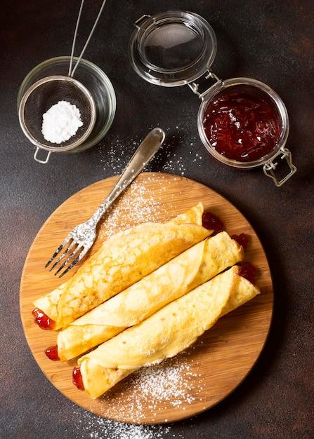 Köstliches winterkreppdessert und marmelade Kostenlose Fotos