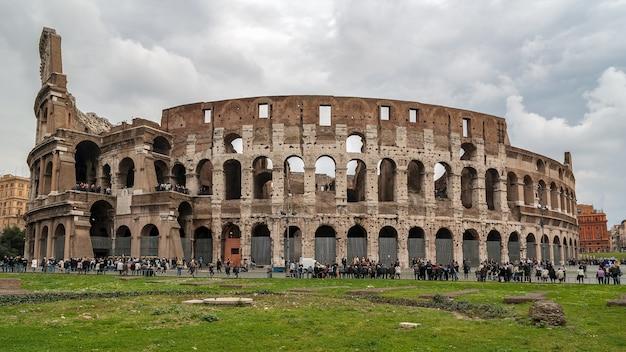 Kolosseum in rom Premium Fotos